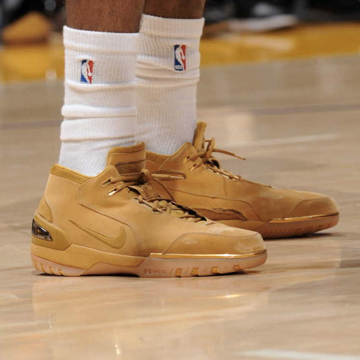 87e112362d73 ... Sole Watch Nick Young Wears The Wheat Air Zoom Generation  MEN NIKE ...