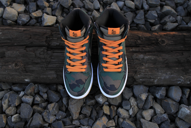 510 Skate Shop x Nike SB Dunk High Fog Camo top view