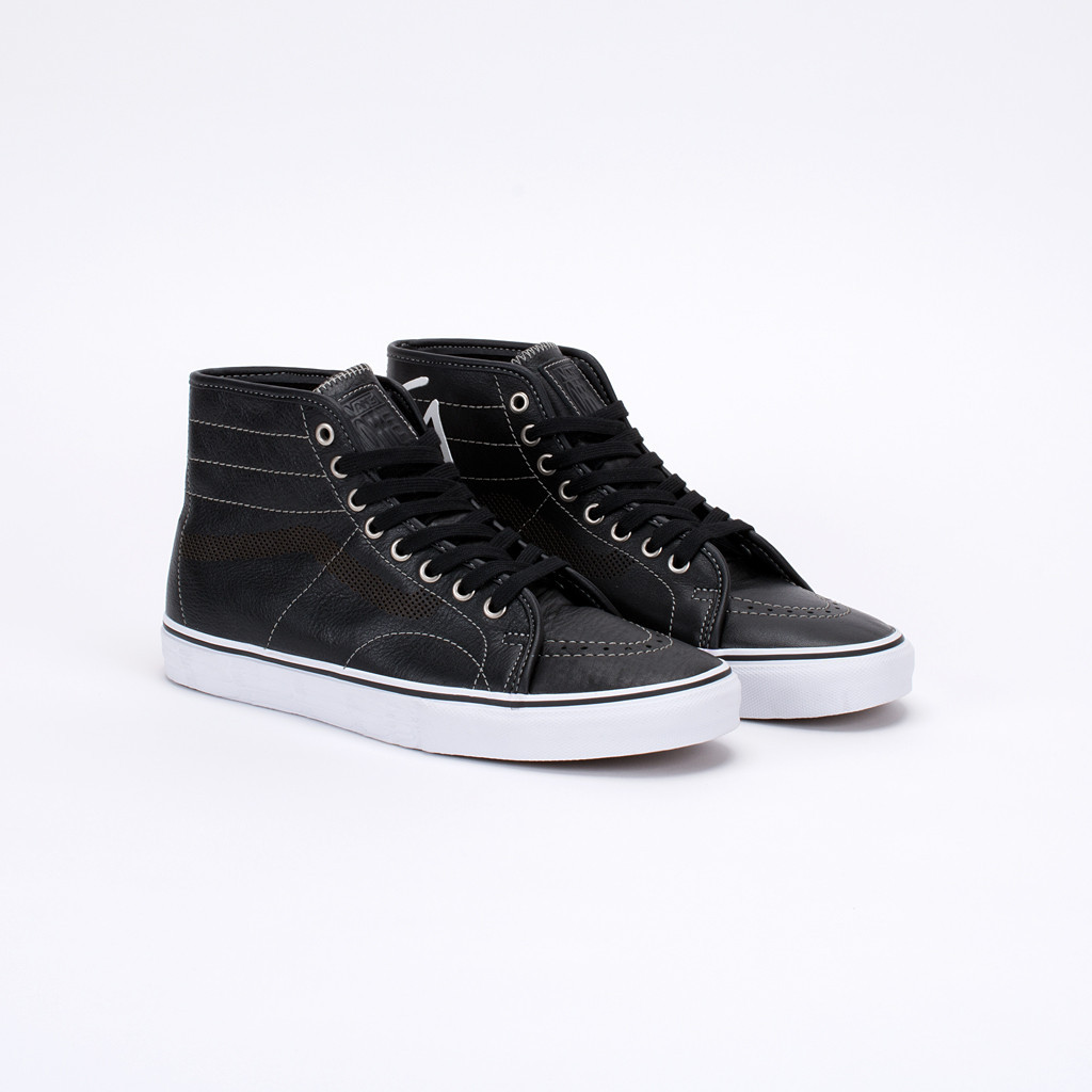 07b2678ca7 You can pick up the AV Classic Hi now at select Vans Syndicate stocked  skate shops