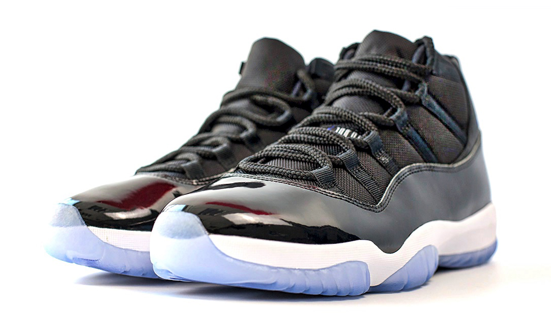 eed9fd3a5 Image via Flightclub.cn · Space Jam Jordan 11 2016 Three Quarter