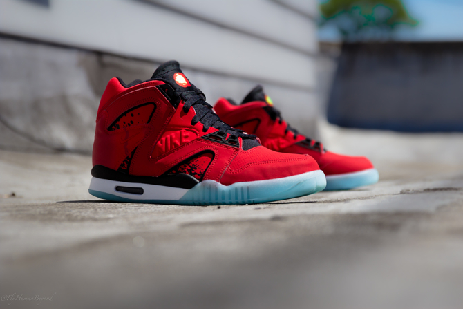 Nike Air Tech Challenge Hybrid in Chilling Red Profile