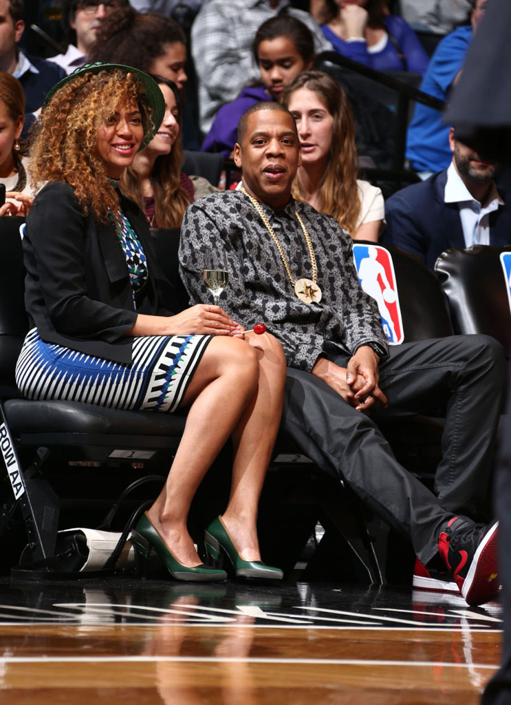 Jay Z Wears 'Bred' Air Jordan 1 (5)