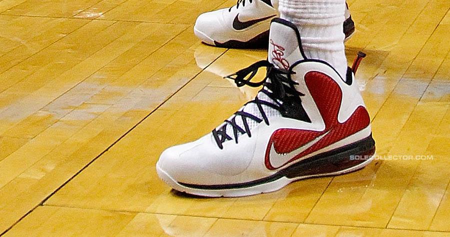 finest selection d2bf6 5bacc LeBron James Wears White Red Black Nike LeBron 9 PE vs. Knicks