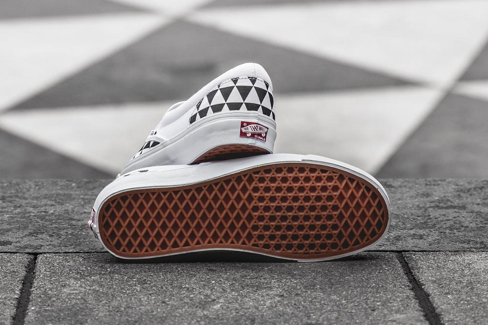 de4d6edfee The Sneakersnstuff x Vans Slip On