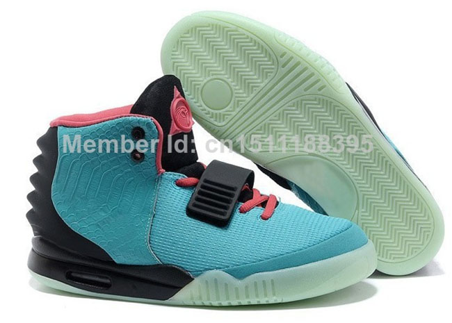 6d4c9bcdfd5c9e 10 Of The Worst Fake Nike Air Yeezys You ll Ever See
