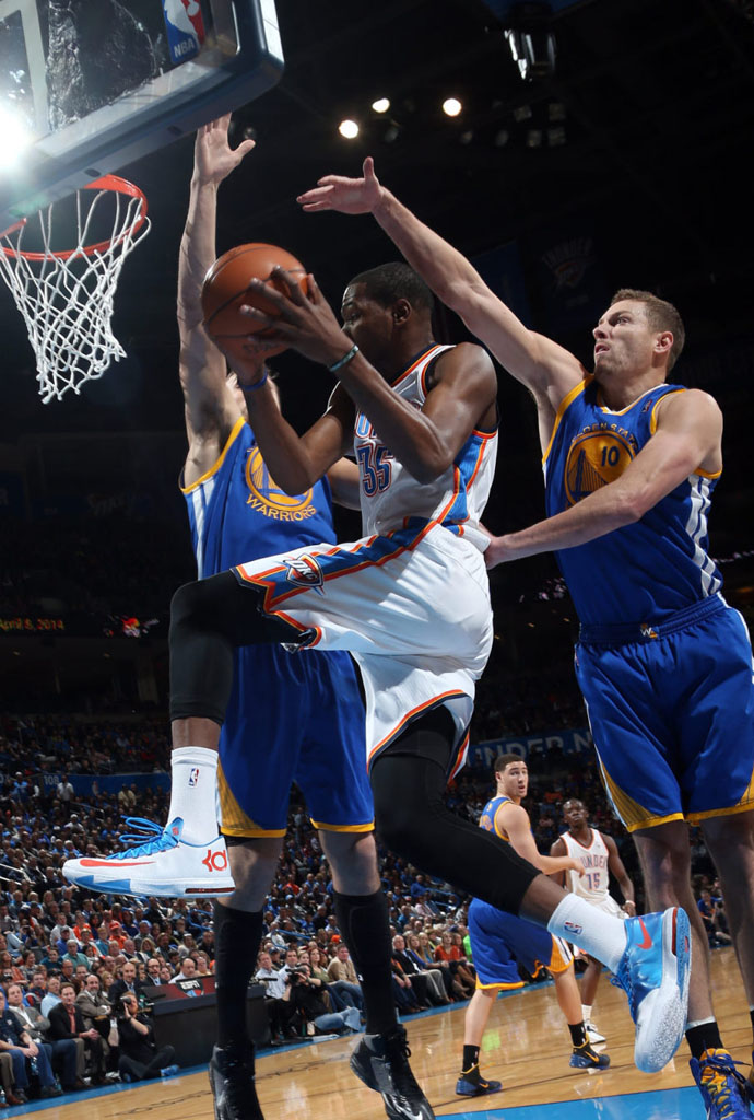Kevin Durant Scores 54 Points in Nike KD 6 'Home' PE (5)