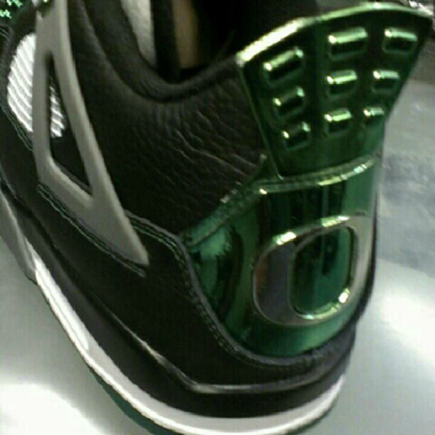 Air Jordan IV 4 Oregon Ducks (3)