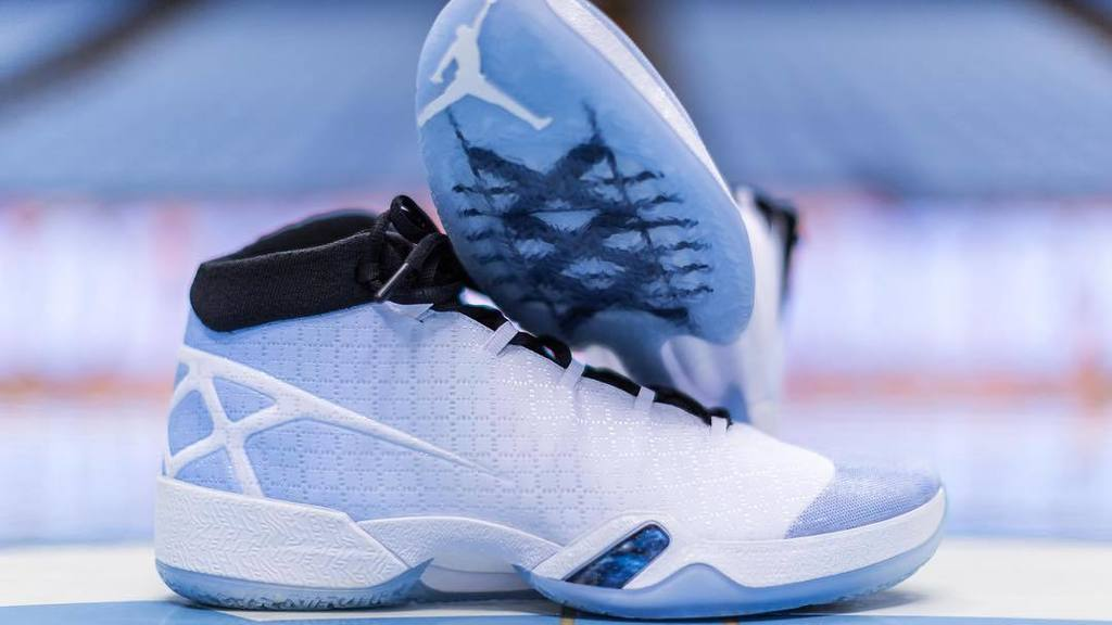699b21b5eb2abb North Carolina Tar Heels Air Jordan XXX PE