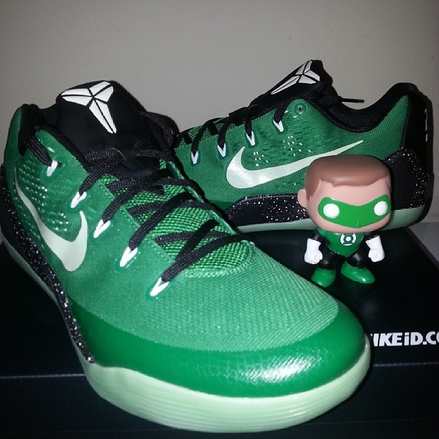 new arrivals 54387 22583 ... The 30 Best NIKEiDs Inspired by Superheroes   Sole Collector Lebron 10  Green Lantern ...