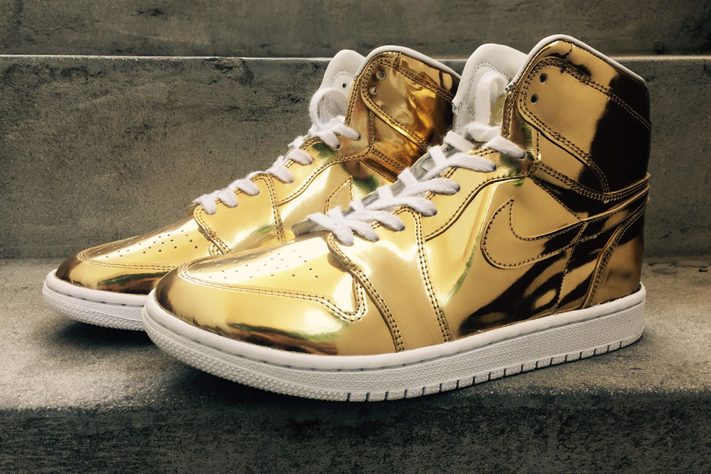 Air Jordan 1 Liquid Metal Gold Custom (1)