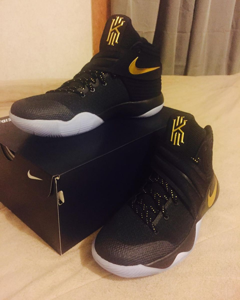 Nike Kyrie 2 Black And Gold
