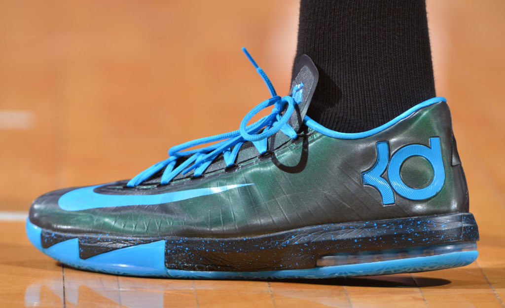 Kevin Durant wearing Nike KD 6 Croma Blue iD PE