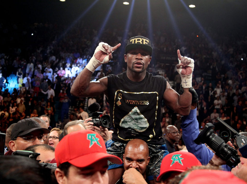 Floyd Mayweather Moves To 45-0 With Decision Over Canelo Alvarez (3)
