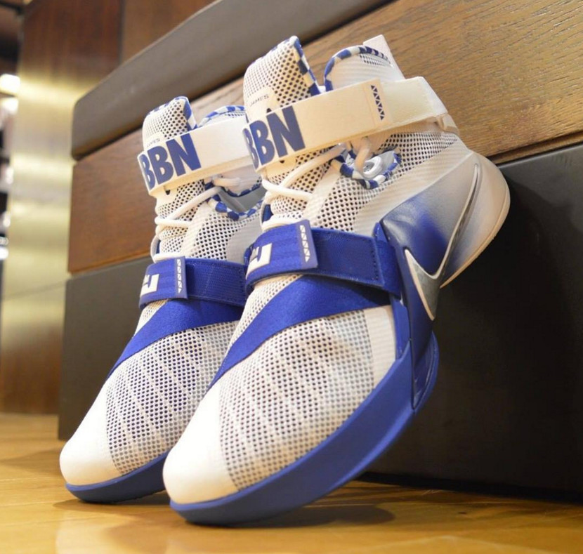 5b8a4ad596e13 Nike Has Special LeBrons for Kentucky Supporters