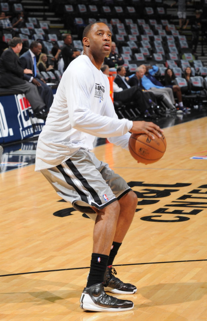 Tracy McGrady wearing adidas Rose 3.5 Away