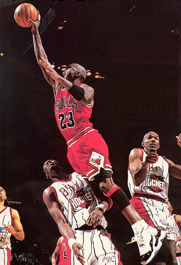 Michael Jordan wearing Air Jordan XI 11 Concord (37)