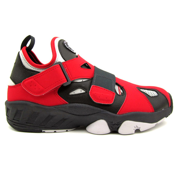 43ae1d9bcd9cf The return of the Air Trainer Huarache  94 with the release of this all new  Black White-Red color scheme.