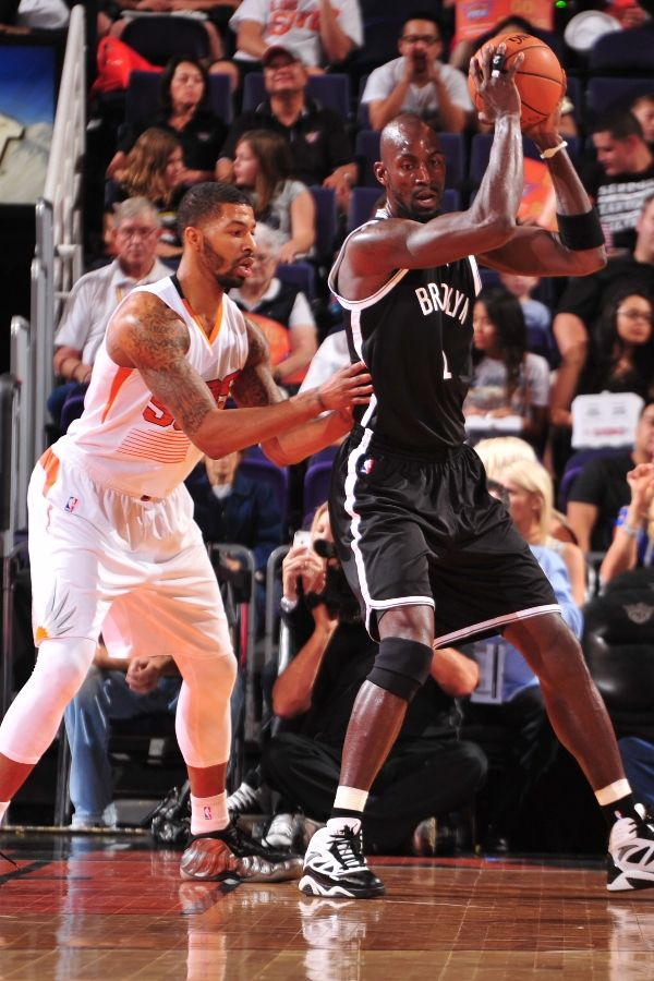 Markieff Morris wearing 'Metallic Pewter' Nike Air Foamposite One (1)