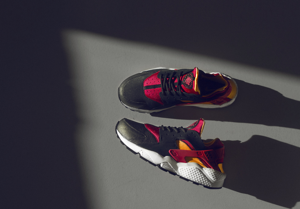 Nike Air Huarache size Exclusive in Black Laser Orange and Fuchsia