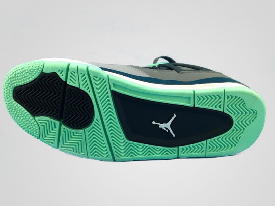 competitive price 0a558 01137 Air Jordan 4 Retro - Green Glow - New Images | Sole Collector