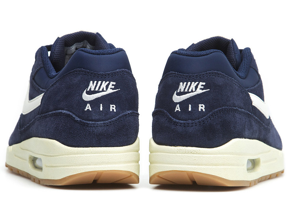 design intemporel d98c5 7eab6 Nike Air Max 1 Essential Suede 'Midnight Navy' | Sole Collector