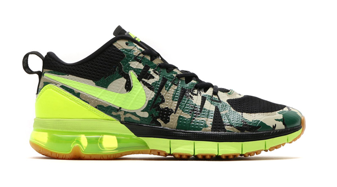 Check out the new Nike Air Max TR180 AMP.