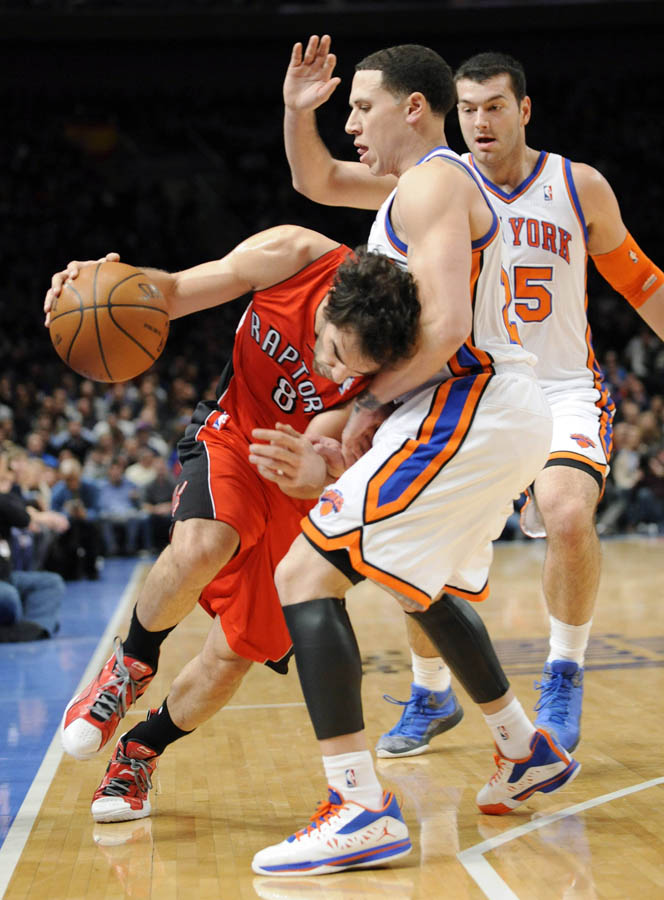 Jordan CP3.V Mike Bibby Knicks PE Home (1)