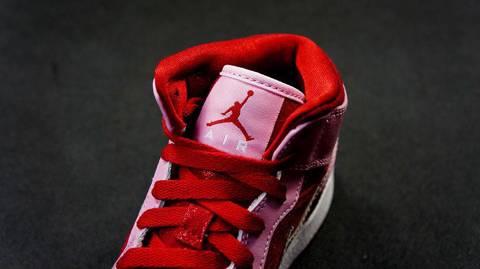 Air Jordan Retro I 1 Mid Premium GS Valentine's Day 2013 (2)