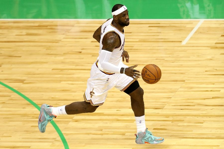 LeBron James wearing Nike LeBron XII 12 NSRL (1)