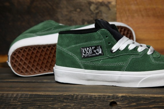 e53850618119 Vans continues to celebrate 20 years of the classic Half Cab model with the  release of this forest green suede pair of the classic skate shoes.