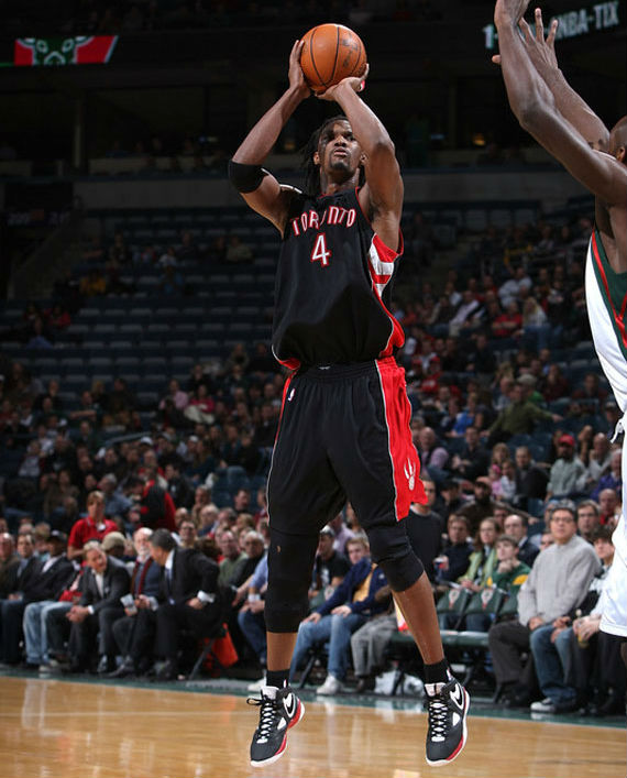 Chris Bosh Scores 44 Points in the Nike Huarache 2010