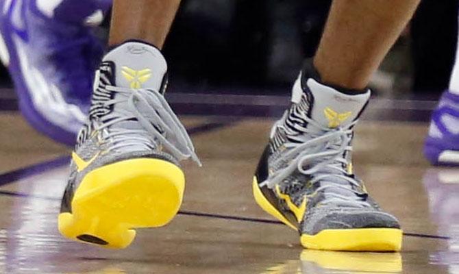 huge discount 1ab4b 49336 Kobe Bryant wearing Nike Kobe 9 Elite Grey Black-Yellow PE (3)