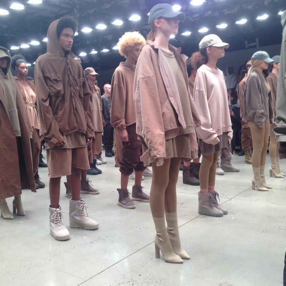 4e033d5b1 New adidas Yeezy 750 Boost Colorway Spotted at Kanye West s Fashion ...