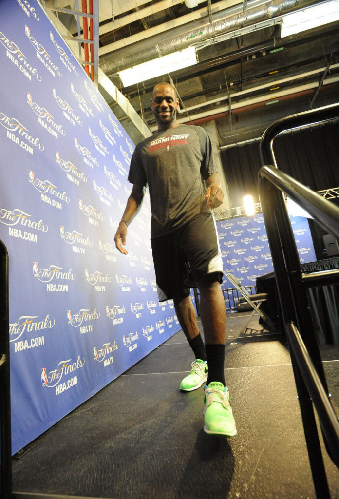 LeBron James wearing Nike Air Flow (3)