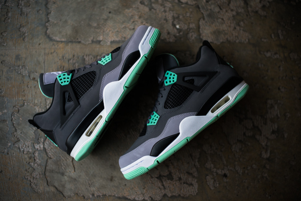 purchase cheap 87efa b21e5 Detailed Look    Air Jordan 4 Retro - Green Glow. We re provided with our  best look yet at this weekend s release ...