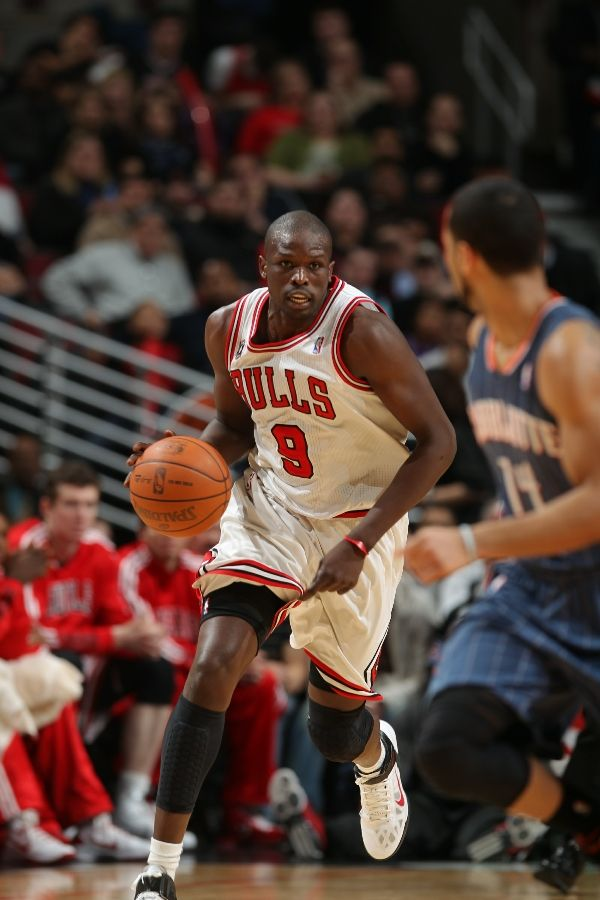 Luol Deng wearing the Nike Air Max Fly By