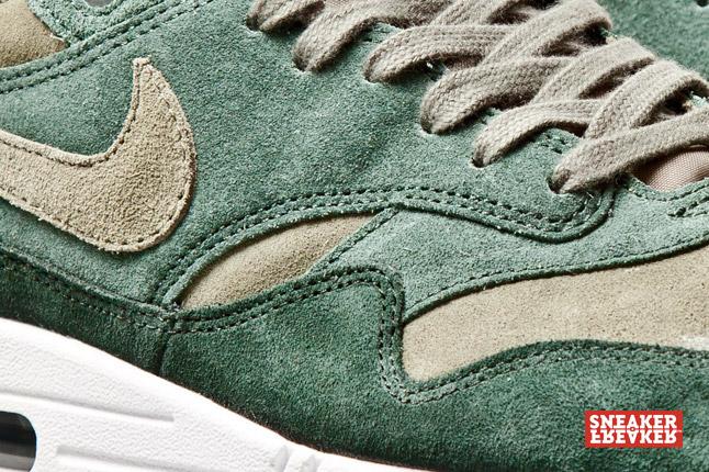Nike Air Max 1 Green Suede
