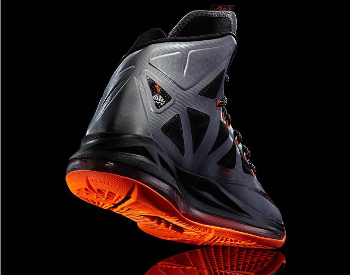 quite nice 7e774 12d34 Check out the official images of the LeBron X