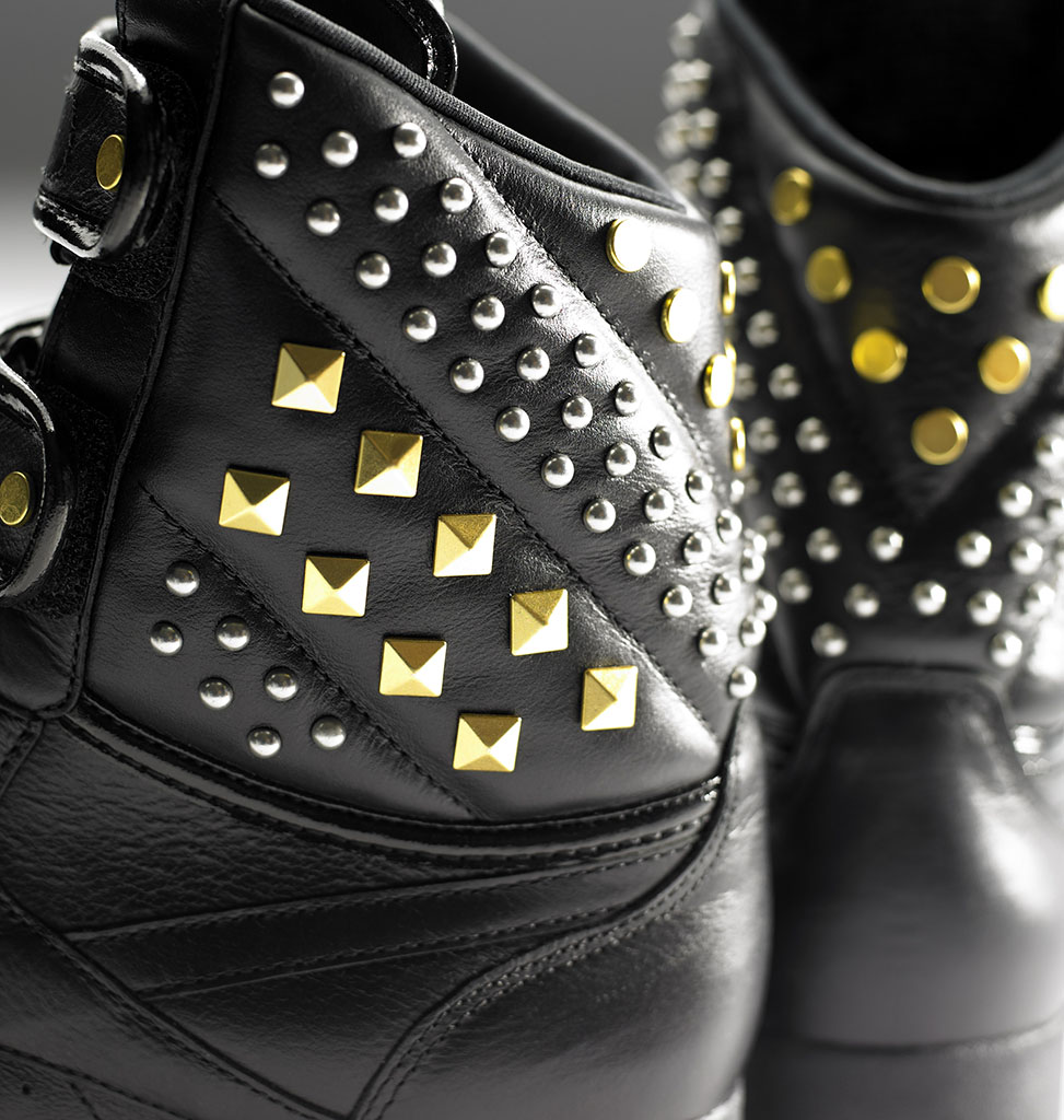 Alicia Keys x Reebok Classics Double Bubble Studs (3)
