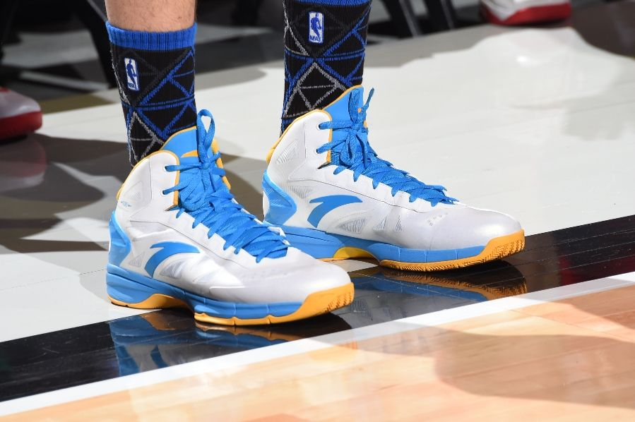Klay Thompson wearing ANTA KT Fire (2)