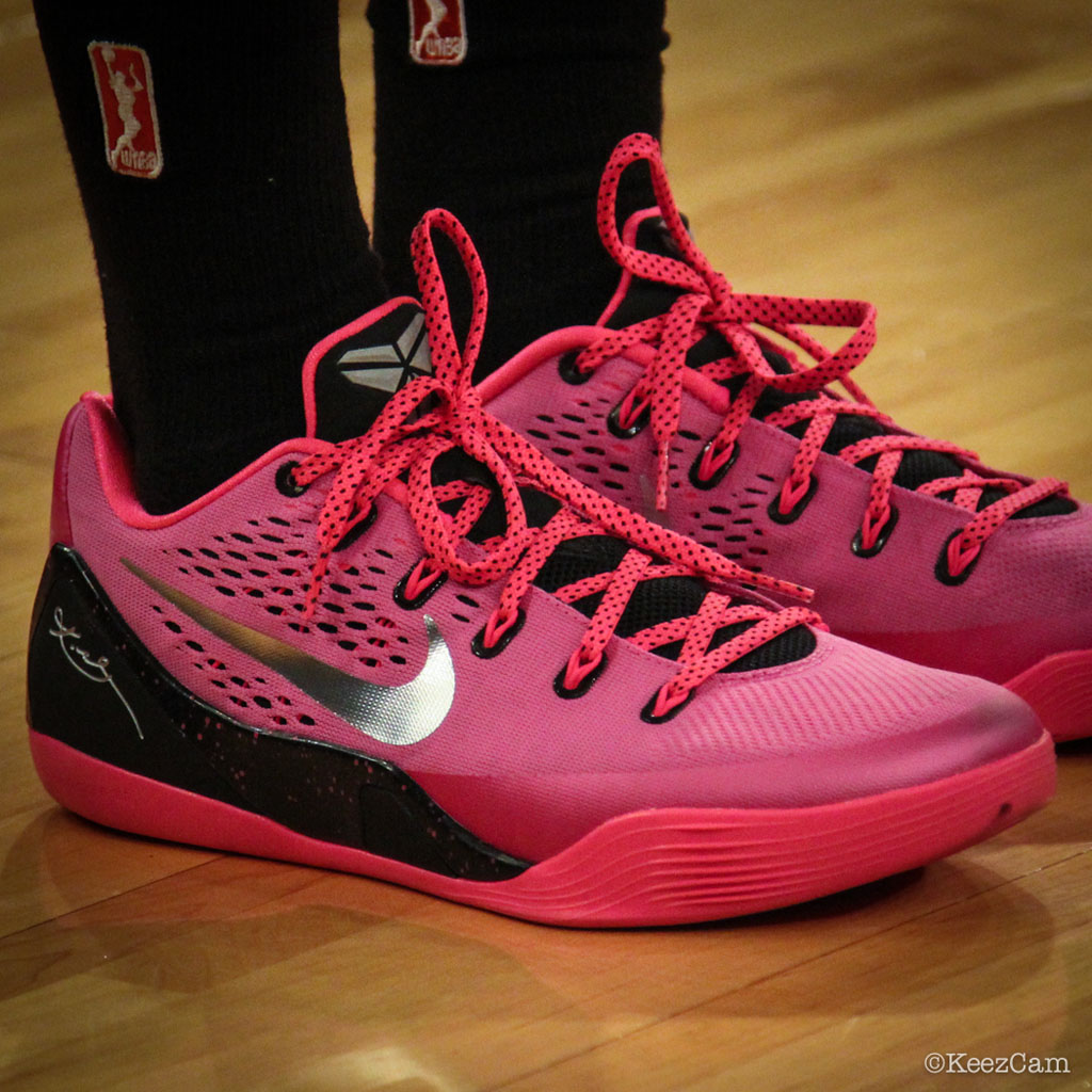 new product 487e2 c7e74 Nike Kobe IX 9 EM Kay Yow Breast Cancer Awareness (1)
