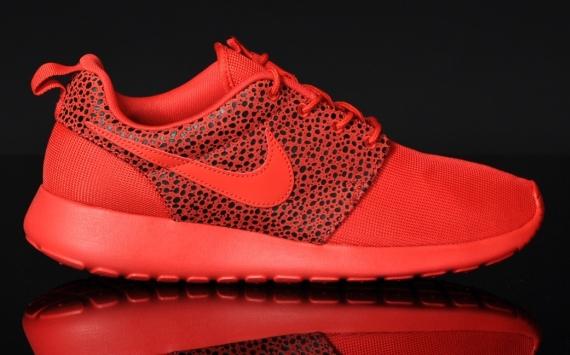 red roshe runs