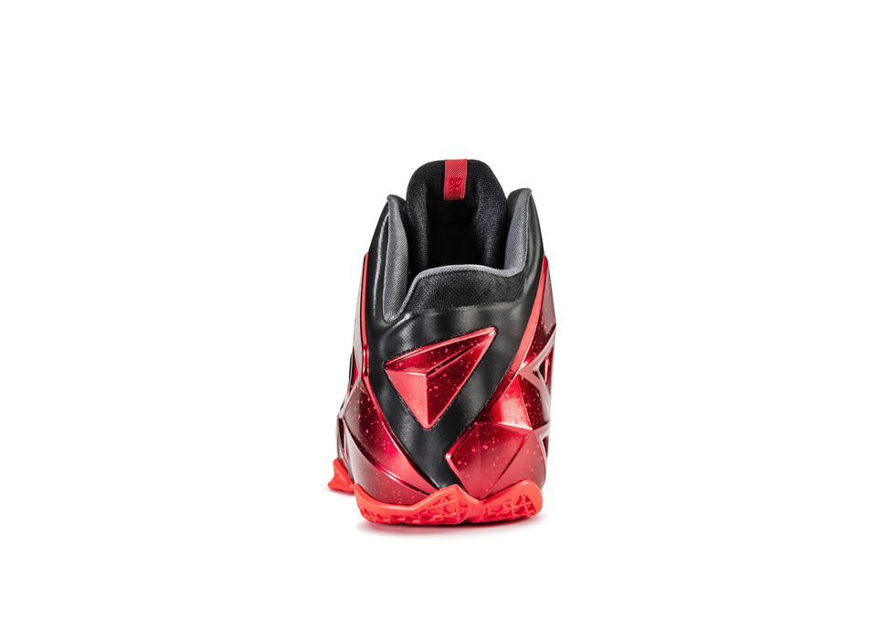 Nike LeBron 11 XI in black university red heel