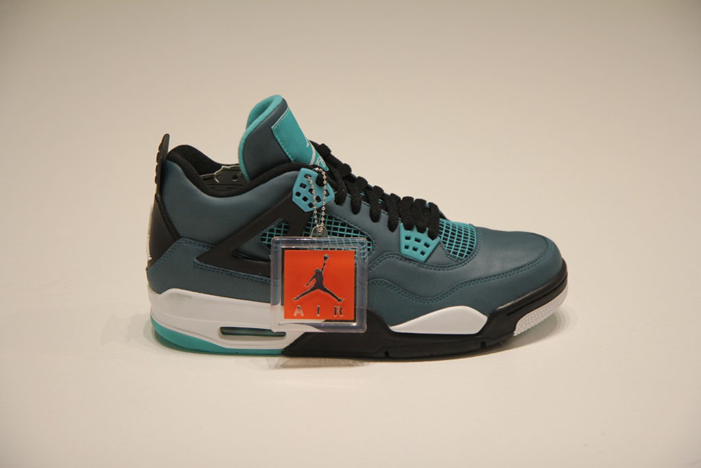 Air Jordan IV 4 Retro Teal 2015 (1)