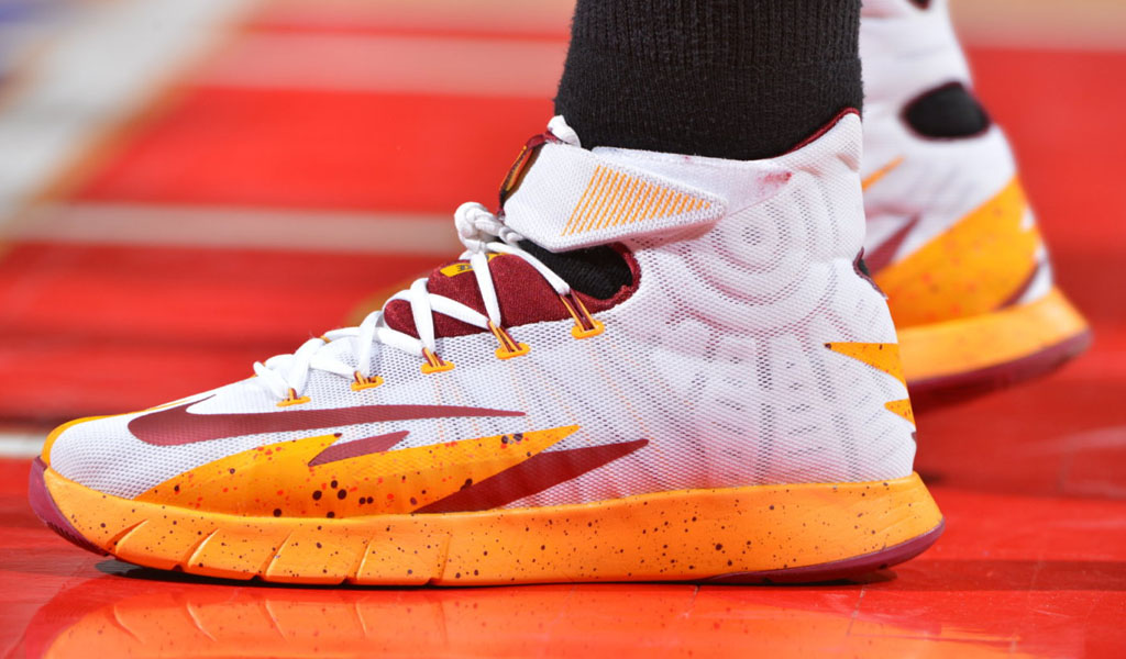 kyrie irving shoes cost nike hyperrev 2013