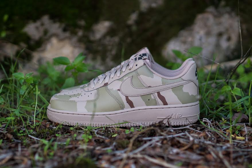 Nike Air Force 1 07 LV8 Desert Camo Side 718152-204