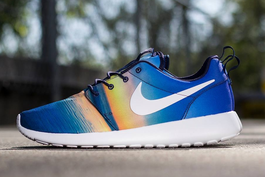 nike roshe run sky blue
