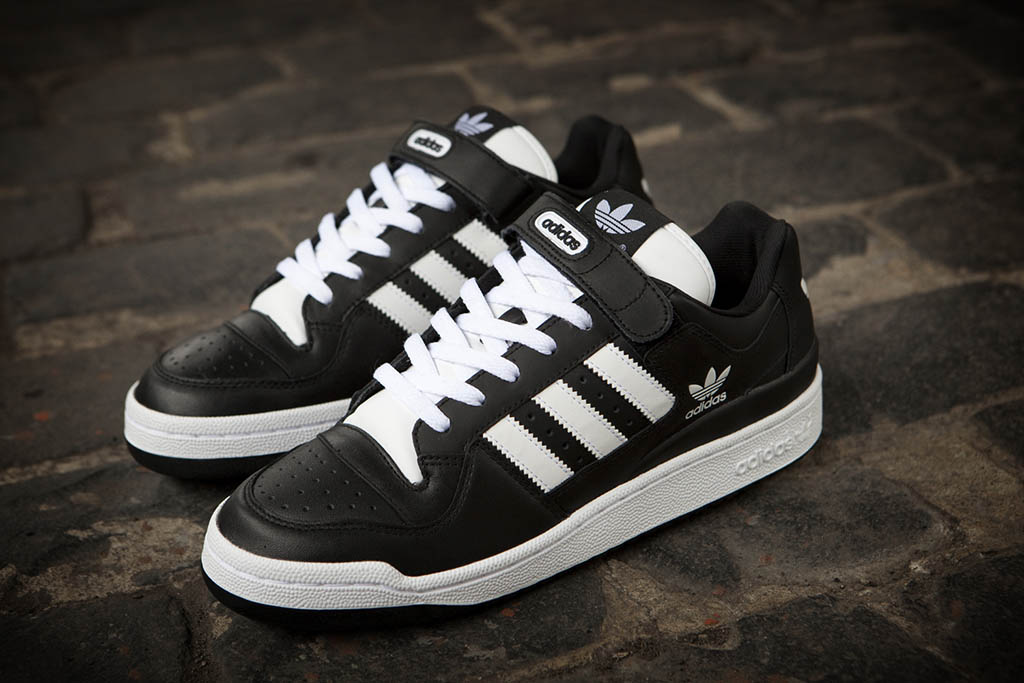 4c1e6af38b4 adidas Originals Forum Low RS Leather Black White (1)