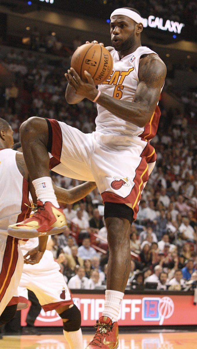 f238a659e59c8 All Of The Times LeBron James Wore The Nike LeBron 11 This Season ...