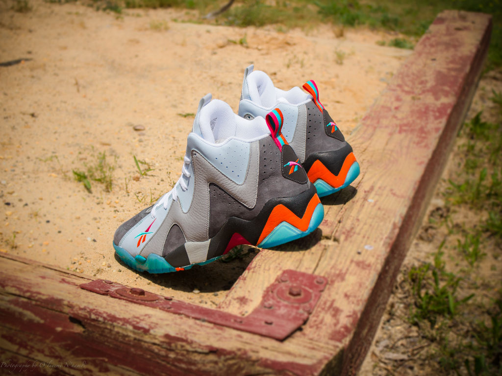 "Packer Shoes x Reebok Kamikaze II x Mitchell & Ness ""Remember The Alamo"" Capsule Collection (7)"